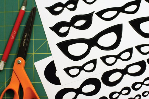 The Simple 3 step Guide to Make Vintage Halloween Masked Portraits
