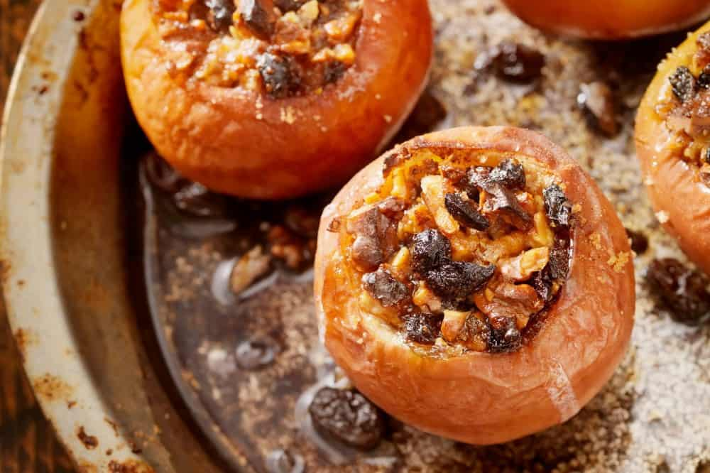 tasty healthy snacks | cinnamon baked apples