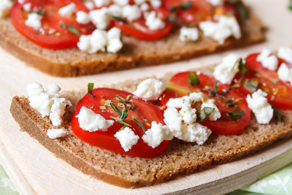 tasty healthy snacks | bruschetta